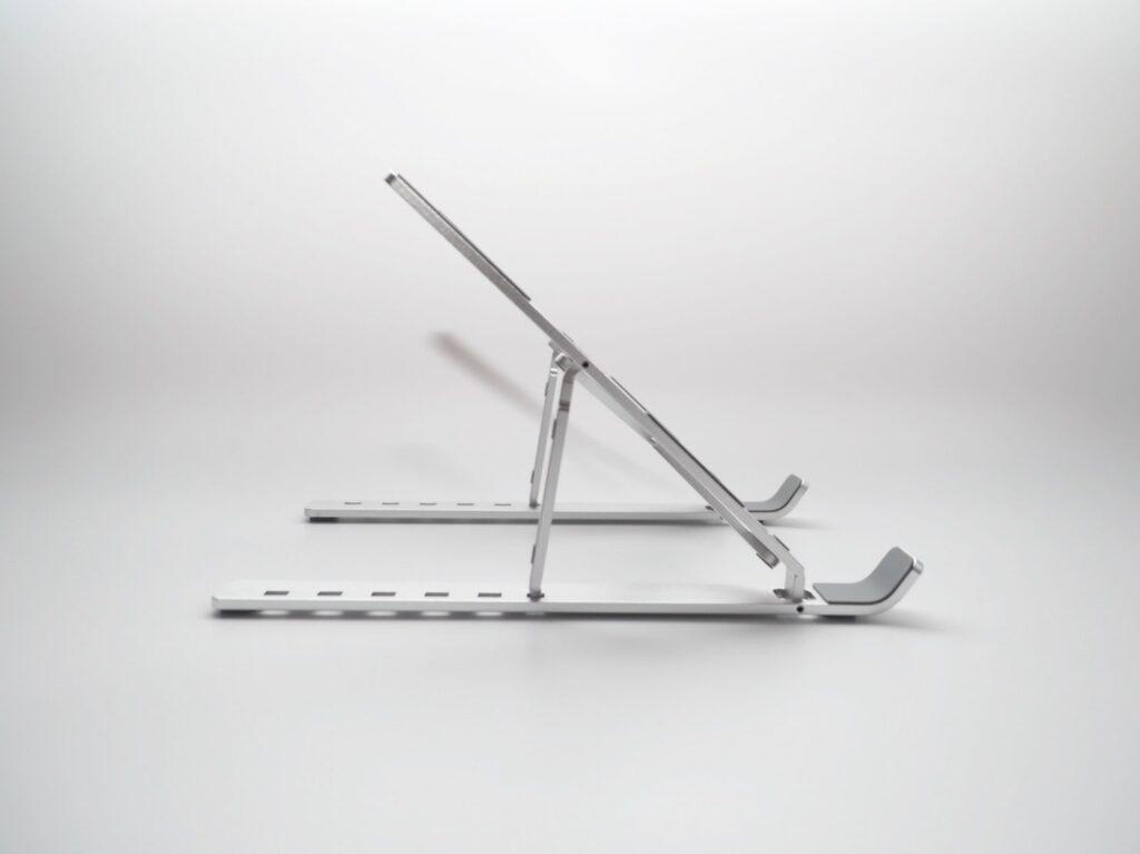 BoYataの折りたたみ式PCスタンド